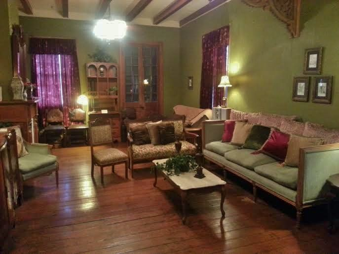 Sleeps 1 to 32, Bachelor Parties, Family Reunions, Etc. Centrally Located to all