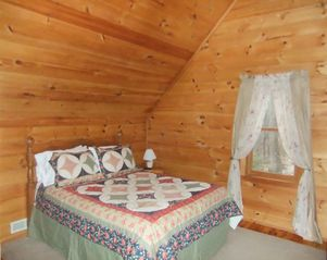 Maggie Valley cabin photo - Second Bedroom upstairs with attached full bathroom