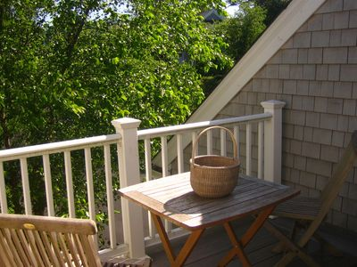 Chatham townhome rental - Sitting room opens to treehouse deck and welcomes the morning light.