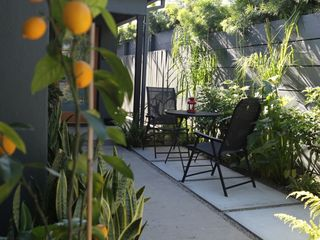 Venice Beach apartment photo - Courtyard Garden Seating Area