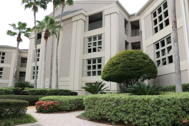 Great Condo for Golfing, Shopping and Beaching!