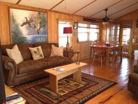 REELAXATION 'A comfortable Houseboat on the Apalachicola River.'