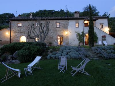 XVIIth century FARMHOUSE surrounded by a fantastic tuscan landscape,private pool - Unit 1365496