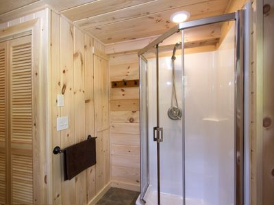 Bath cabin rental - Guest Bath Shower