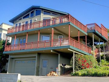 Cambria house rental - A good overview of the size of the double-decks, each with 180 degree ocean view