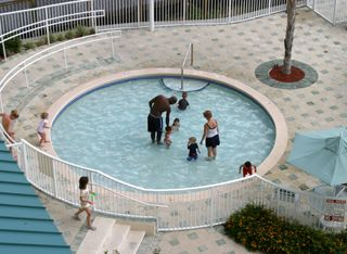 Lake Buena Vista condo photo - Children's pool for the little ones!