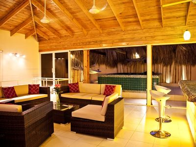 Beautiful Family Room with Bar & Jacuzzy at Night
