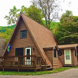 Maggie Valley chalet rental - Feel the stress slip away as you step over the threshold.
