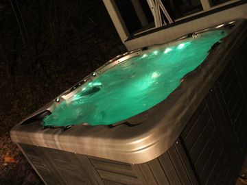 Hot tub new in 2011. It seats 7 to 8