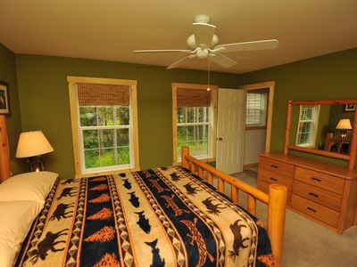 West Dover chateau / country house rental - Master bedroom