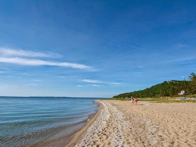 Lk Michigan beach front! Sunsets over Sleeping Bear Dunes!