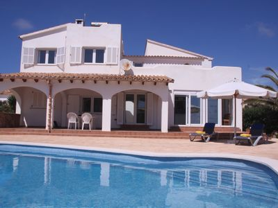 !All NK incl.! House in Fig.2. Sea line with large pool and stunning sea views!