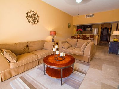 Puerto Aventuras condo rental - Livingroom with sleeper sofa for 2 more people to enjoy the condo.