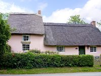 HOLLY COTTAGE, family friendly, with a garden in Harome, Ref 3538