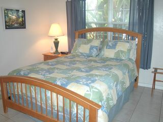 Pompano Beach apartment photo - Comfy Bedroom