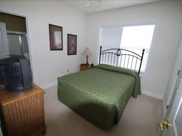 3RD. BEDROOM WITH QUEEN BED AND TV