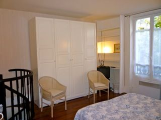 8th Arrondissement Champs Elysees apartment rental - Room 1 on courtyard calm and quiet