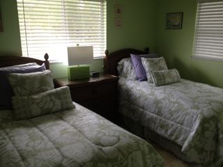 Cape Coral villa photo - Another view of twin bedroom. So cute! So Florida!