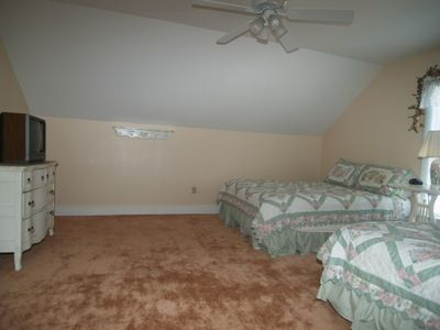 Manistee house rental - Large bedroom with 2 queens