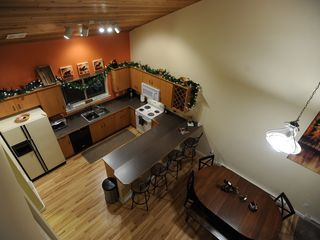 Big Sky chalet photo - Kitchen and dining area