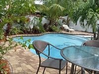 Key Lime Cottage with Private, very cosy with Heated Pool,in Tropical Landscape