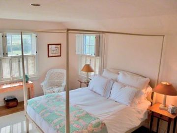 Bedroom Suite #4 - Queen Bed, Twin Day Bed, Full Bath. Second Floor