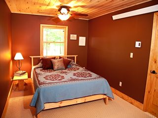 Grand Rapids cabin photo - 1st Floor bedroom with queen bed.