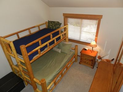 BR3 XL Twin over Queen bunk, extra twin, Cle Elum rental home near Suncadia Golf