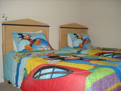 Indian Creek villa rental - Twin Bedroom 2