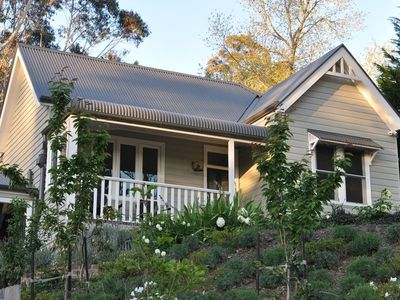 Oreades- a Beautiful Leura, Blue Mountains Cottage