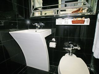 Miami Beach condo photo - Modern Bathroom