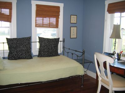 Third bedroom with 2 twin beds in Main house