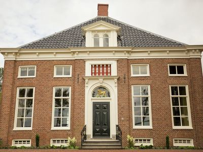 Monumental 19th century farmhouse with stunning views over the Oldambtmeer