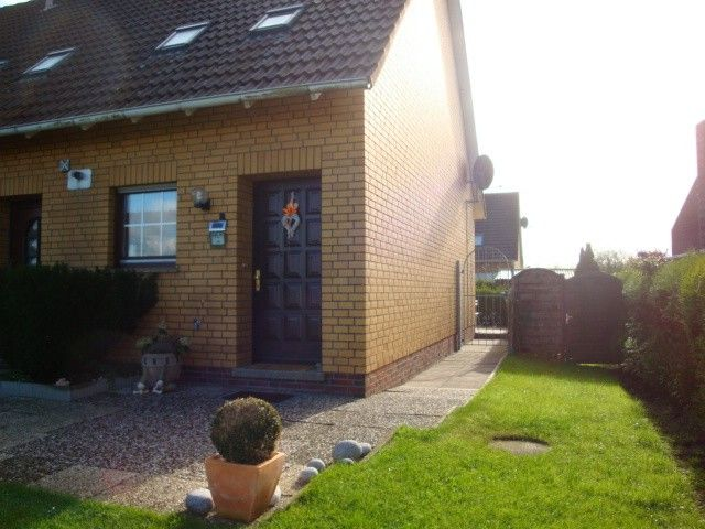 FH directly on the dike. Few min. To the beach. Up to 5 persons. Dog see below