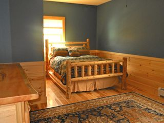 Warren chalet photo - Guest room on main level - queen bed.