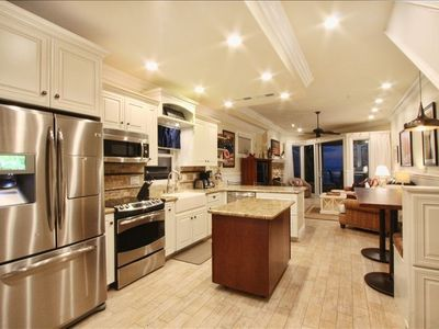 Cottage Kitchen with state of the art appliances and move-able center island