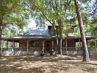 Apalachicola cabin photo