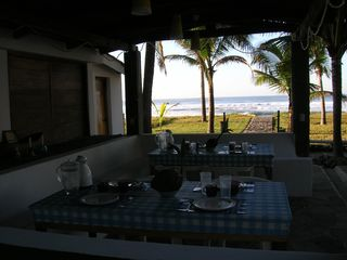 El Salvador villa photo - Have your breakfast at the sound of waves: you own a desert beach for a few days
