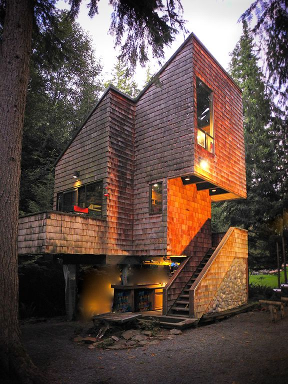 Greenwater tree house as seen in sunset magazine for Cabins near mount magazine