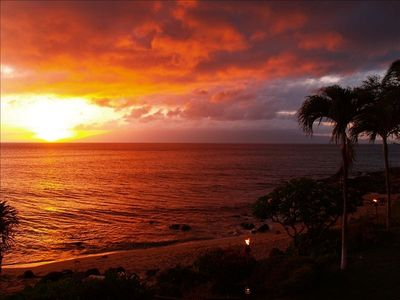 An example of the breathtaking sunsets right from the lanai
