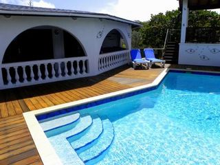 Bonaire house photo - Cool off with a dip in the refreshing salt water pool