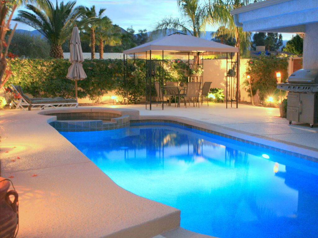 Luxury upgraded fairway home with very homeaway palm for Fairway house