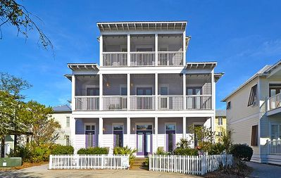 Grace Villa - 6 Bedroom Beach Home in Florida! Gulf Views!