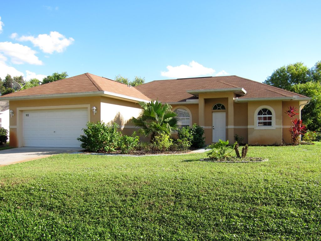 Cosy Holiday Home in San Carlos Park, Fort Myers, Florida
