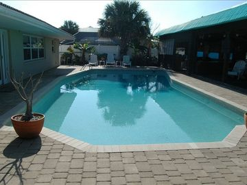 Private Huge Pool, Pool Can Be Heated for an additional fee