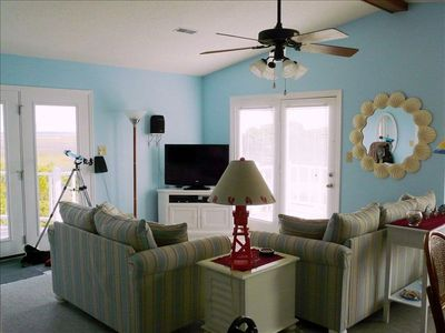 Great Room - vaulted ceiling, 2 patio doors and bay window