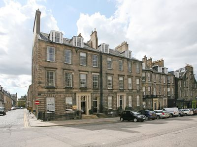 Stunning 3 Bedroom Georgian Apartment With Beautiful Views Of Edinburgh Castle