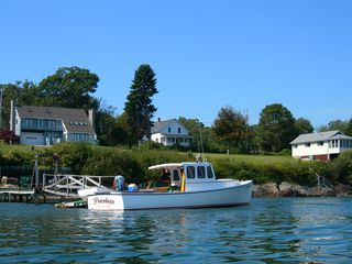 Harpswell cottage photo - Watch the Lobstermen work