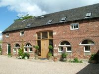 Large luxury Peak District self catering cottage