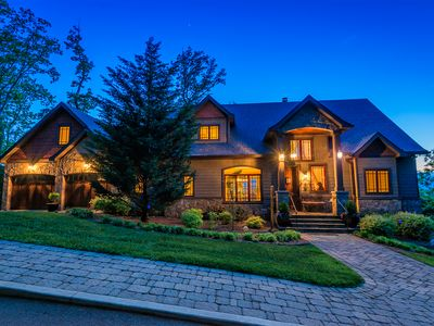 Luxury Home With Million Dollar Views Of 2 States! Centered In Asheville!